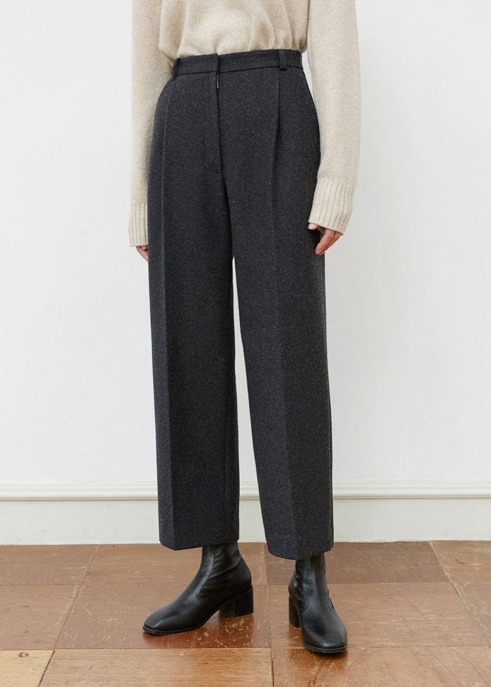 블루브릭,[cowood] Crop wool round slacks (charcoal)